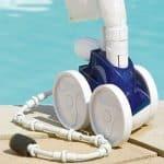 Robot hydraulique pour nettoyer une piscine