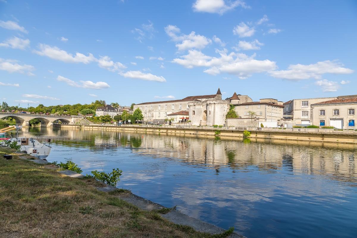 Quais de la Charente à Cognac